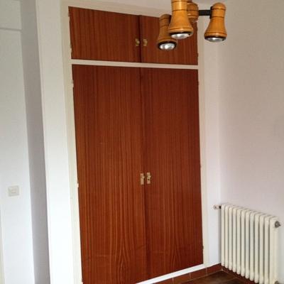 Reformar suelo cambiar las puertas renovar la cocina y for Reformar puertas