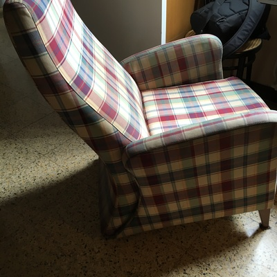 Tapizar dos sillones id nticos gracia la salut - Tapizar sofa barcelona ...