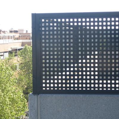 Celos a en la terraza para subir el muro pinto madrid for Muro de separacion terraza