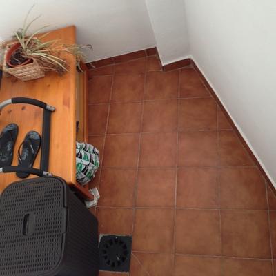 Nivelar suelo de terraza peque a 3 m2 con cemento y solar for Nivelar suelo terraza sin obra