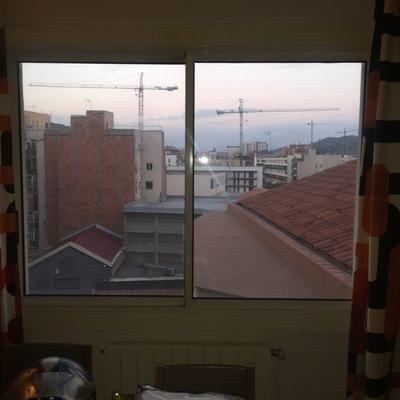 Cambiar ventanas y puerta balc n con pvc y cristal for Puerta balcon pvc