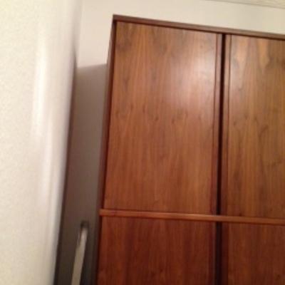 Division de habitacion para hacer un vestidor armario for Crear habitacion online
