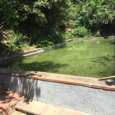 Transformar balsa de riego en piscina figuerola del camp for Alberca para riego