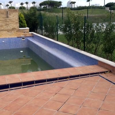 Reparar fisura piscina chiclana de la frontera c diz for Piscinas chiclana