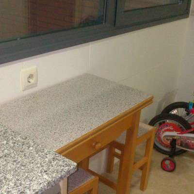 Colocar encimera de cocina con muebles paracuellos del for Colocar encimera