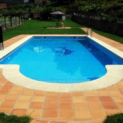 Construir piscina calle paraiso 3 belicena granada for Precio construir piscina