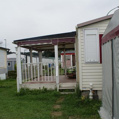Construir un porche para mobil home noja cantabria - Como cerrar un porche ...