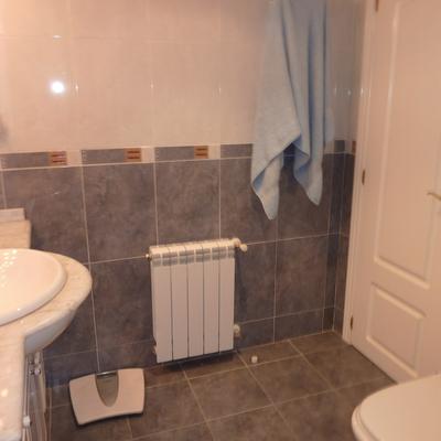 Rehabilitar azulejos sueltos cuarto de ba o oviedo - Precio pintura azulejos ...
