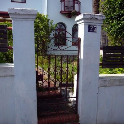 Puertas met licas para jard n santander cantabria for Puertas para jardin