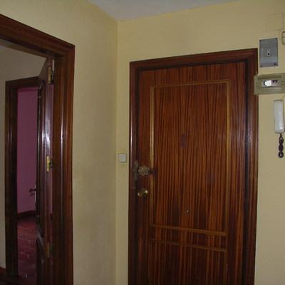 Cambio puerta de entrada blindada y 5 puertas del resto de for Puerta blindada casa