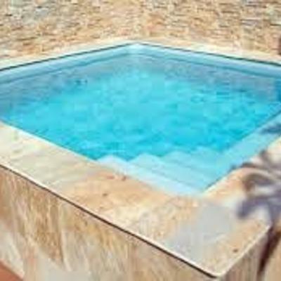 Construir piscina peque a elevada de obra sanlucar la for Costo para construir una piscina