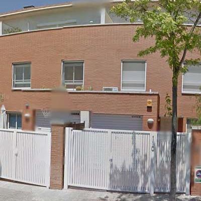 Puerta cancela batiente aluminio para entrada casa for Ancho puerta entrada casa