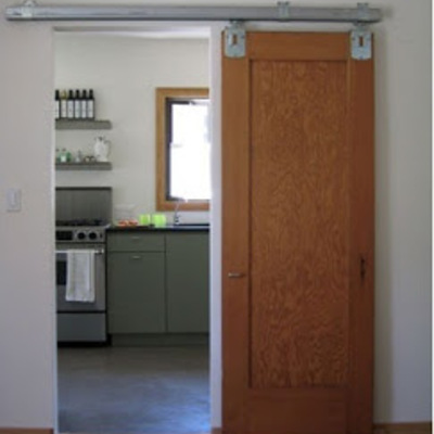 Convertir una puerta de habitaci n abatible en puerta - Puerta corredera vista ...