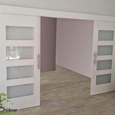 instalar puerta corredera lacada en blanco madrid