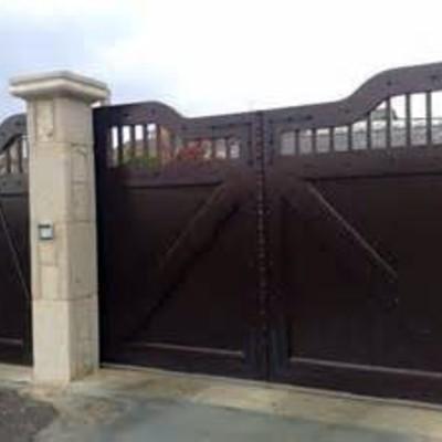 Instalar portales de aluminio o acero inoxidable para for Puertas para fincas