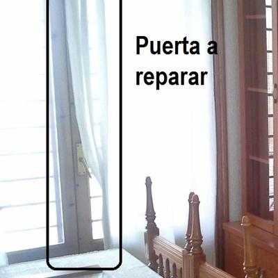 Reparar puertas de madera acristaladas la romanilla for Reparar puerta madera