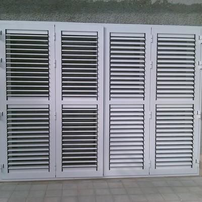 Suministrar e instalar de puerta persinas aluminio 4 hojas for Presupuesto puerta aluminio