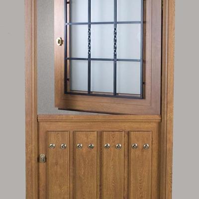 Puerta en pvc exterior imitacion madera pola de lena - Puertas de exterior de pvc ...