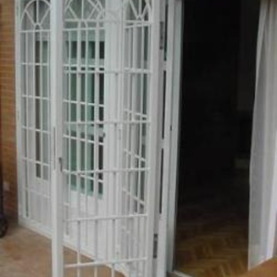 Fabricar y colocar rejas en puertas correderas de terraza - Puertas de terraza ...