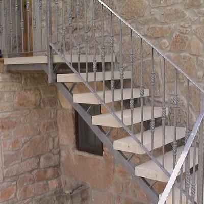 Escalera exterior en hierro y madera o barco ourense for Escaleras tipo barco