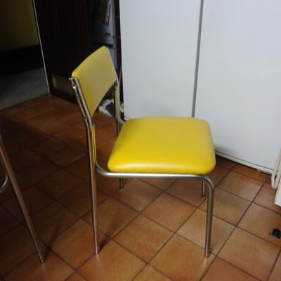 Precio tapiceros habitissimo - Precio tapizar sillas ...