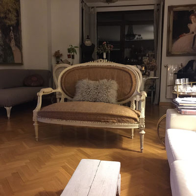 Tapizar peque o sof antiguo estilo luis xv madrid - Cambiar relleno sofa ...