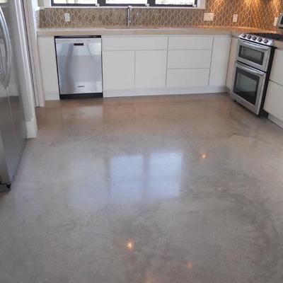 Lavar suelo de cemento 50m2 con salfuman y sellar con for Piso hormigon pulido