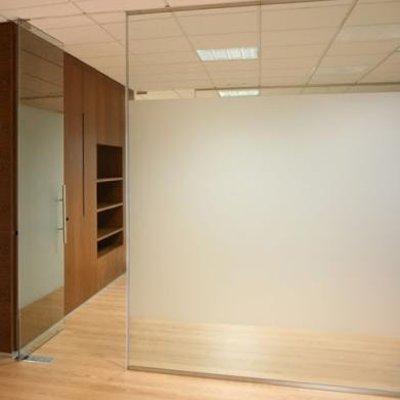 Tabique de vidrio para separaci n de oficina con puertas - Tabiques de cristal ...