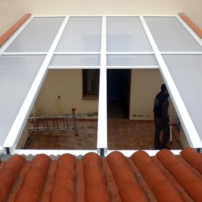 Poner techo con placas de policarbonato celular - Placa de policarbonato celular ...