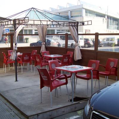 Cubrir terraza contra agua y viento carballo a coru a for Piscina carballo