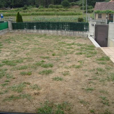 Construcci n de piscina y cenador hospital tomi o for Piscina 8x4 profundidad