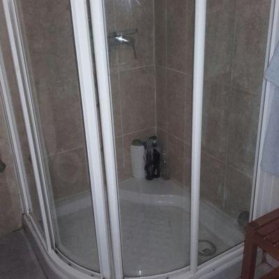Cambiar ducha y reparar alicatado interior palma de for Precio m2 alicatado
