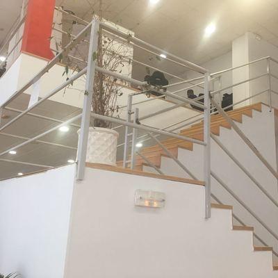 Pintor para pintar barandillas escalera torremolinos for Escaleras pintor precios