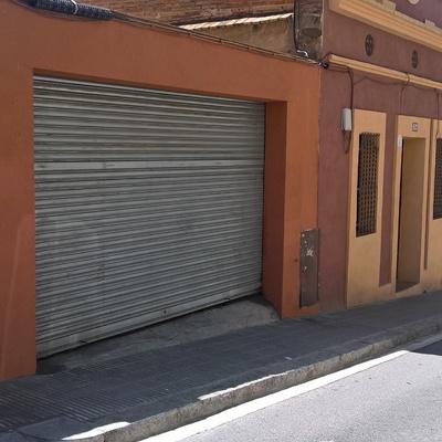 Hacer una rampa en bordillo de acera estrecha para garage for Stima del costo del garage gratuita