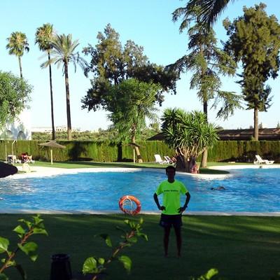 Invernar piscina de 20 m por 10 m tomares sevilla for Piscina tomares