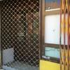 Instalación de puertas para local