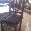 Tapizar 6 sillas en semipiel beige.