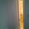 Sustituir la puerta del baño por otra corredera