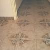 Poner suelo adhesivos encima del piso que tengo en casi toda la casa