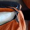 Arreglar los respaldos de un sofa coser y las cremalleras
