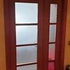 Cambiar puerta abatible por corredera de vidrio