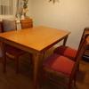 Lacado en blanco de mesa y 4 sillas