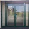 Suministro e instalación de puerta