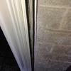 Suministrar e instalar persiana de aluminio blanco