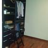 Crear vestidor cerrando hueco de habitación con puerta corredera