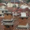 Modificación de chimenea en tejado para disipar malos olores en vecindario