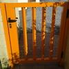 Fabricar e instalar portilla de acceso ajardin