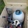 Sustituir bomba en depuradora de piscina y limpieza de la piscina