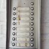 Colocacion portero automatico y cerradura puerta y arreglo pulsador