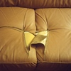 Tapizar un cojin de un sofá de piel sintética